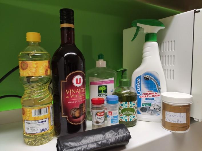 Location de vacances - Appartement à Arc 1800 - produits d'entretien et condiments pour faciliter votre arrivée