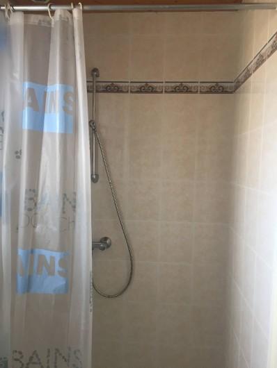 Location de vacances - Villa à Saint-Hilaire-de-Riez - Salle d'eau N°2 avec WC 2