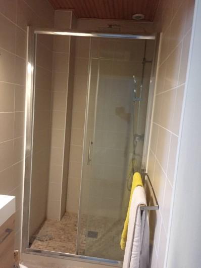 Location de vacances - Villa à Saint-Hilaire-de-Riez - Salle d'eau N°1  douche à l'italienne