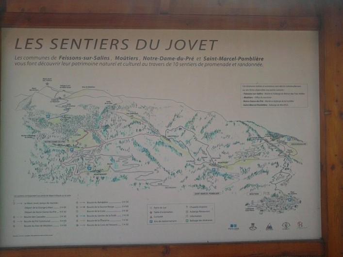Location de vacances - Gîte à Saint-Marcel - Départ sentier rando au village