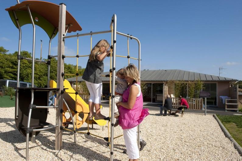 Location de vacances - Maison - Villa à Guissény - L'aire de jeux