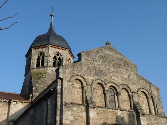Location de vacances - Camping à Bellenaves - Eglise romane (11-12e s.) de Bellenaves