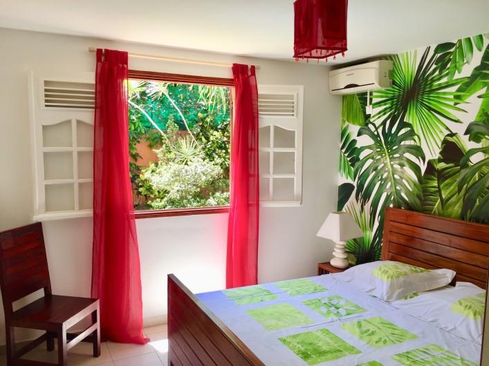 Location de vacances - Appartement à Le Gosier - La chambre climatisée