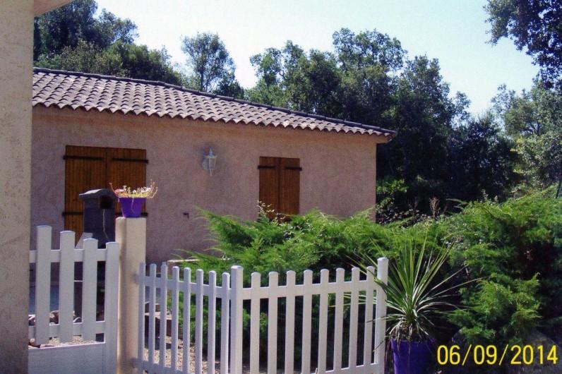 Location de vacances - Villa à Porto-Vecchio - arrière sécurisé pour la piscine
