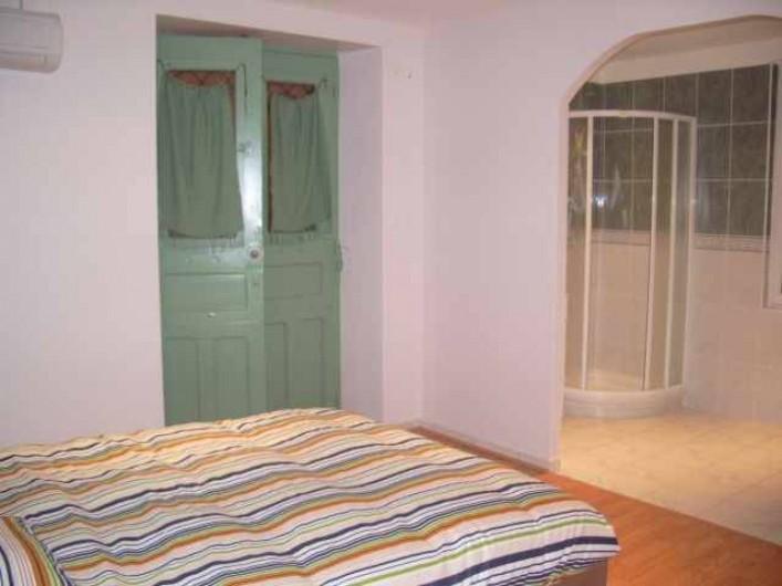 Location de vacances - Gîte à Caylus - gite la colonie  1 chambre + salle d'eau et wc