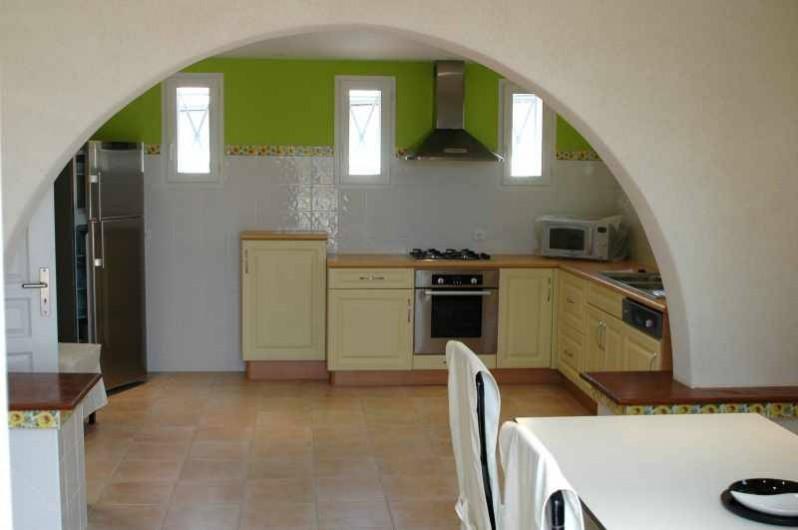 Location de vacances - Gîte à Caylus - gite la colonie  cuisine du bas