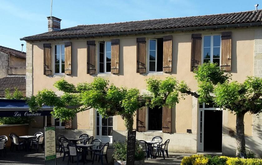 Location de vacances - Chambre d'hôtes à Sauternes - Façade Maison