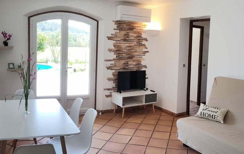 Location de vacances - Appartement à Pierrefeu-du-Var - Vue du salon