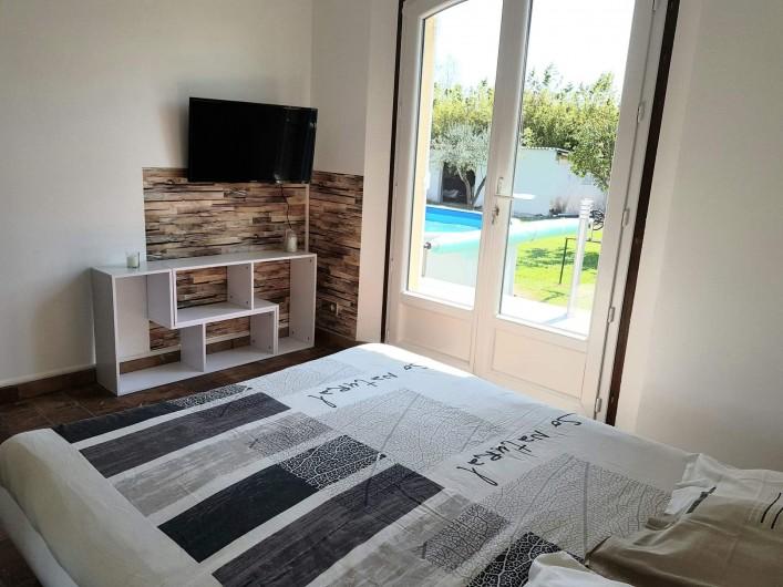 Location de vacances - Appartement à Pierrefeu-du-Var - Vue de la chambre