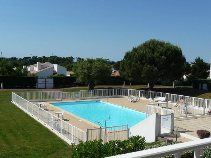 Location de vacances - Studio à Les Sables-d'Olonne - piscine sécurisée, vue du balcon n°1