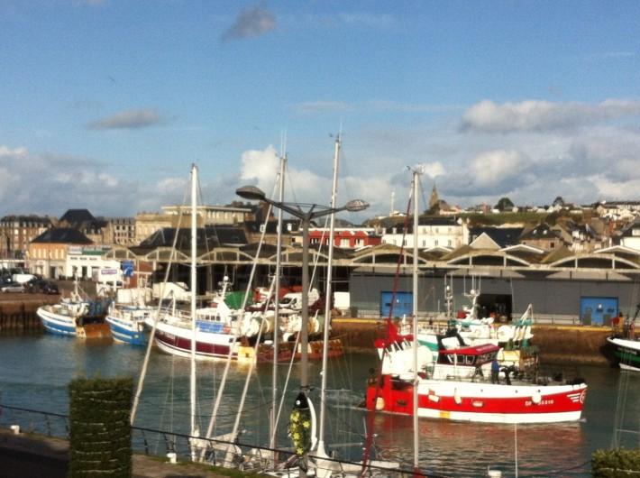 Location de vacances - Studio à Dieppe - le petit port de pêche en centre ville ; port de plaisance, restaurants