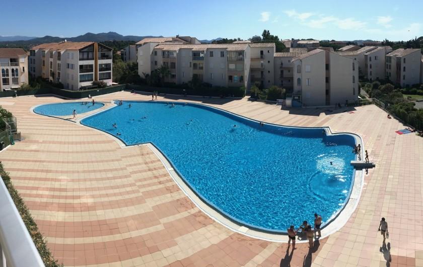 Location de vacances - Appartement à Fréjus - Piscine vue de la terrasse