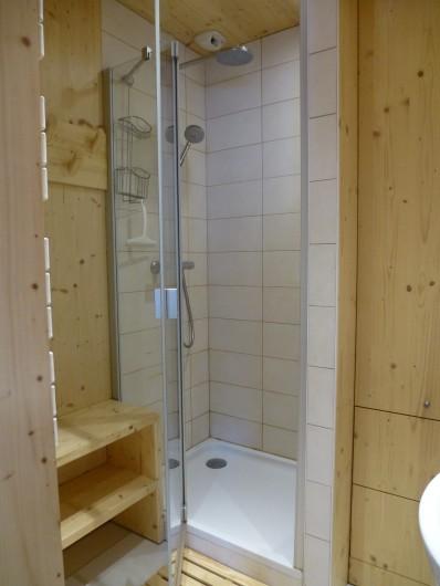 Location de vacances - Appartement à Morzine - douche
