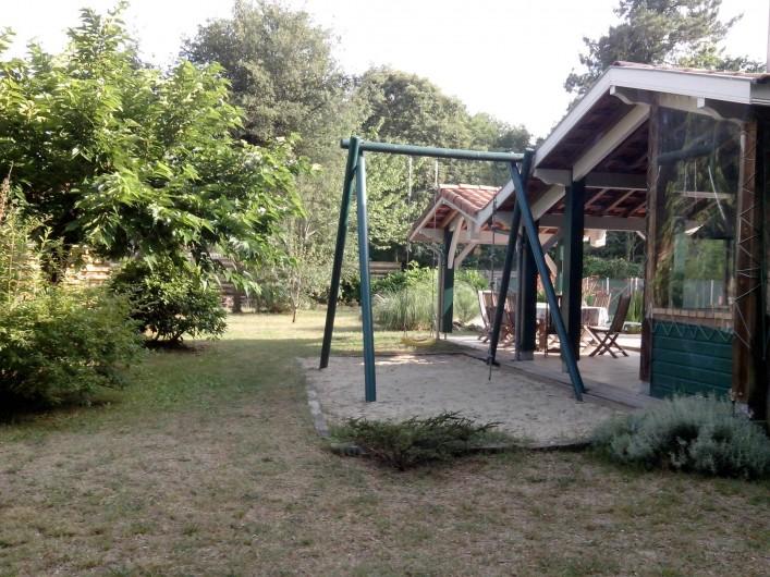 Location de vacances - Villa à Seignosse - coin barbecue, portique