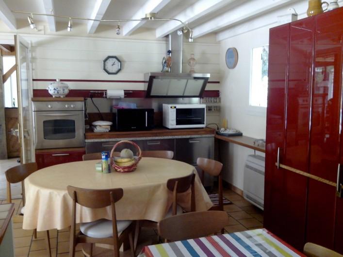 Location de vacances - Villa à Seignosse - cuisine 1 et coin repas