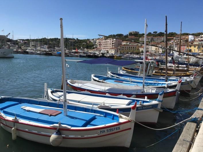 Location de vacances - Appartement à Cassis - Barques de pécheur