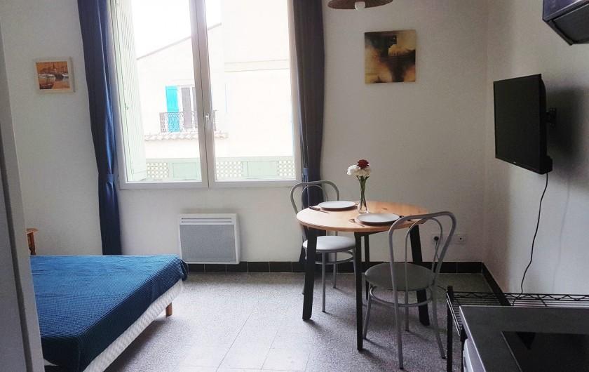 Location de vacances - Studio à Charleval - avec spacieux coin repas