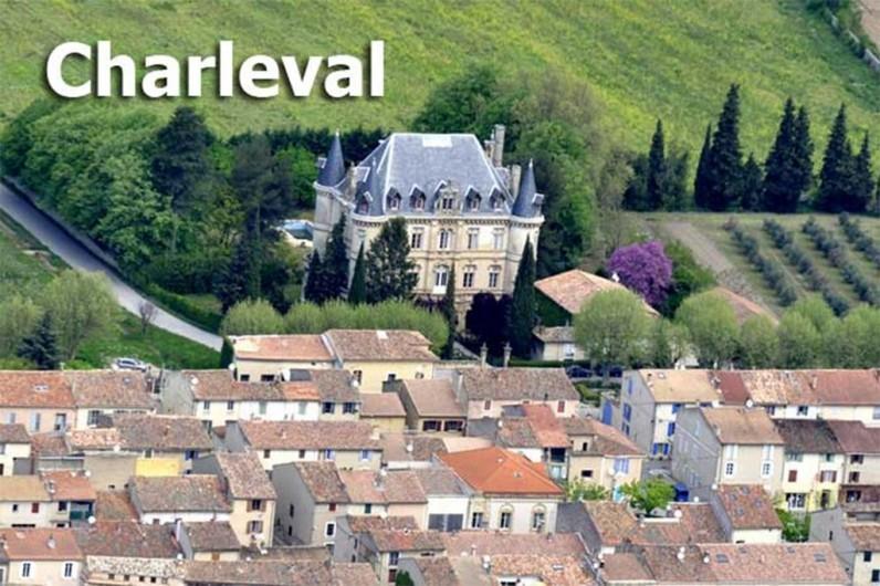 Location de vacances - Studio à Charleval - Village de CHARLEVAL en Provence. Petit village calme par