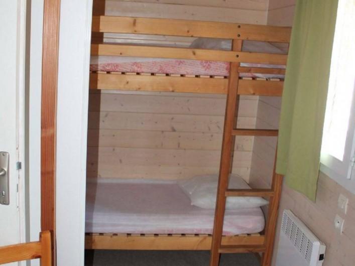 Location de vacances - Chalet à Joyeuse - Chalet Garrigue - Chambre 2