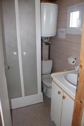 Location de vacances - Chalet à Joyeuse - Salle d'eau - Chalet Garrigue