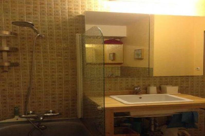 Location de vacances - Appartement à Saint-Raphaël - SALLE DE BAIN AVEC BAIGNOIRE