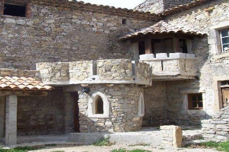 Location de vacances - Gîte à Servas - Balcon à créneaux et tour