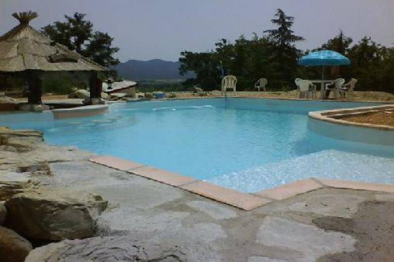 Location de vacances - Gîte à Servas - Piscine avec bar