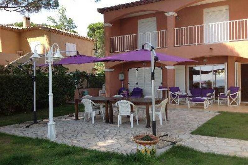 Magnifique villa pied dans l 39 eau avec un grand jardin cavali re dans le var sur la c te d 39 azur - Le grand jardin le lavandou ...