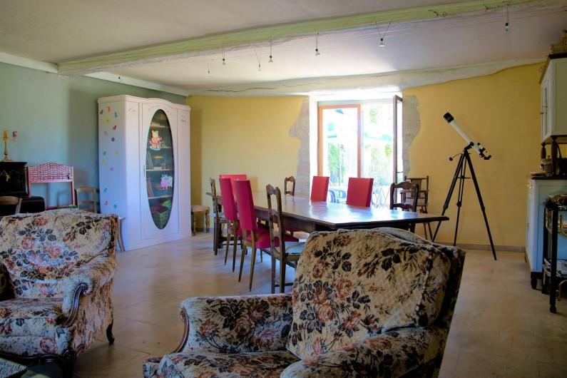 Location de vacances - Chambre d'hôtes à Gigny - Salle de séjour,  salle à manger