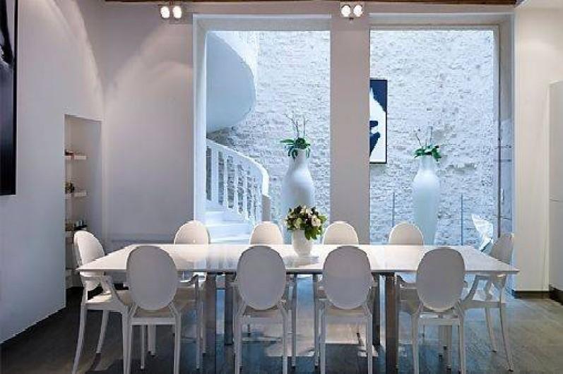 Location de vacances - Chambre d'hôtes à Beaune - La salle à manger