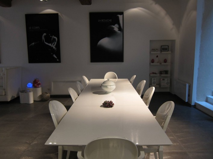 Location de vacances - Chambre d'hôtes à Beaune - La table, prévue pour dix personnes