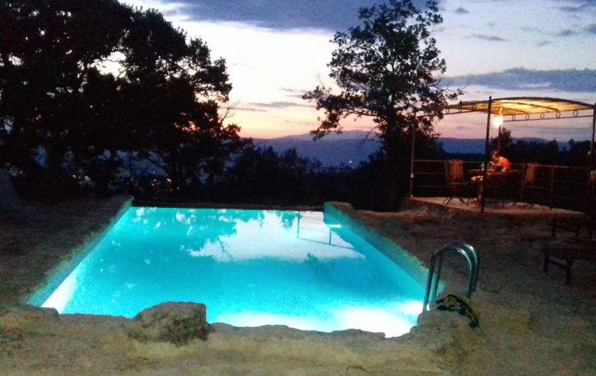 Location de vacances - Villa à Saignon - de nuit