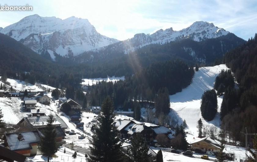 Location de vacances - Chalet à Bellevaux - Chèvrerie en hiver