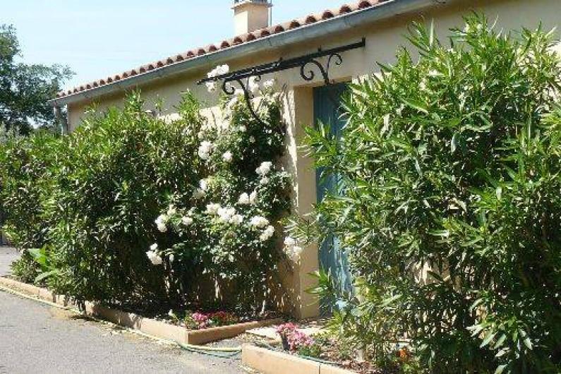 Villa Tout Confort Avec Piscine Pour  Personnes Au Pied Des