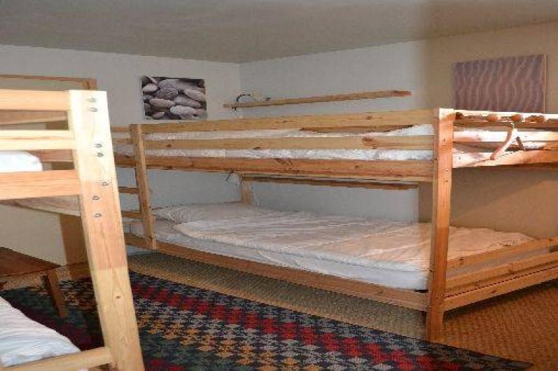 Location de vacances - Appartement à Bonneval-sur-Arc - chambre enfants avec 4 couchages