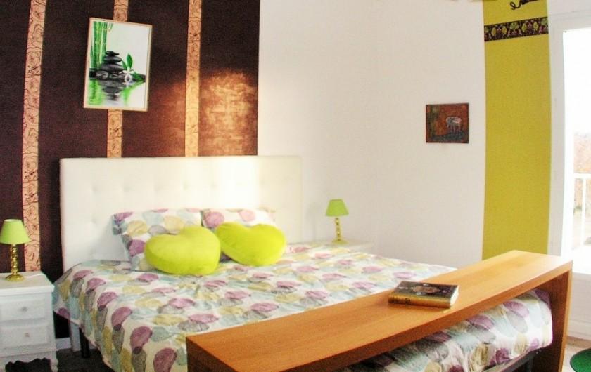Location de vacances - Villa à Lalbenque - LOTus, suite Bambous (180cm) à l'étage, avec balcon et fauteuils