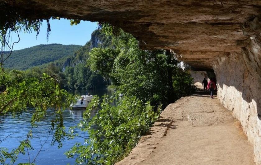 Location de vacances - Villa à Lalbenque - Magnifiques balades au fil de l'eau ou la campagne