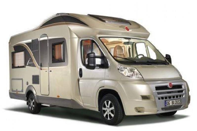 location de camping cars au d part du nord 59 de 2 7 personnes plusieurs forfaits. Black Bedroom Furniture Sets. Home Design Ideas