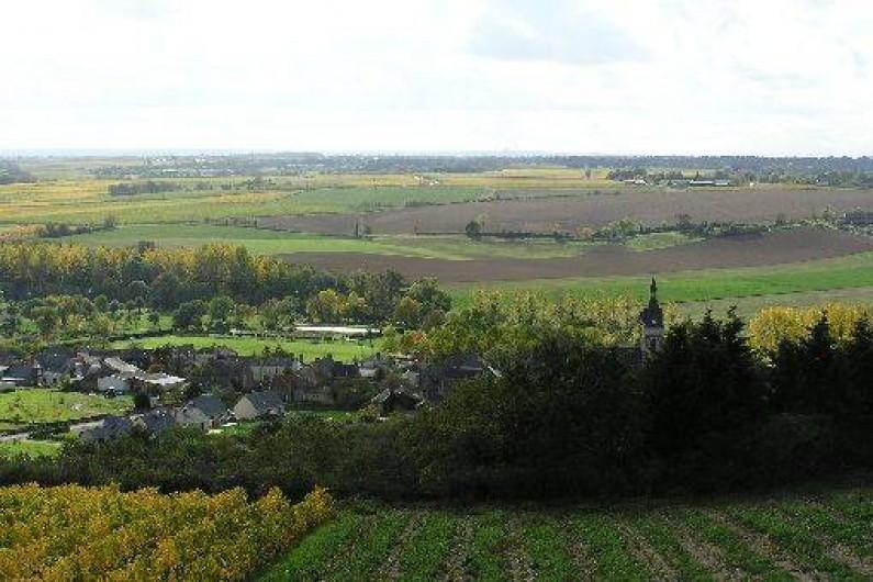 Location de vacances - Studio à Saint-Aubin-de-Luigné - Le village de St Aubin de Luigné depuis le belvédère