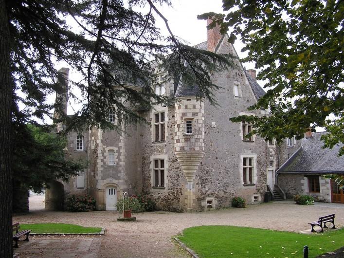 Location de vacances - Studio à Saint-Aubin-de-Luigné - Mairie de St Aubin de Luigné (XVIe s.)