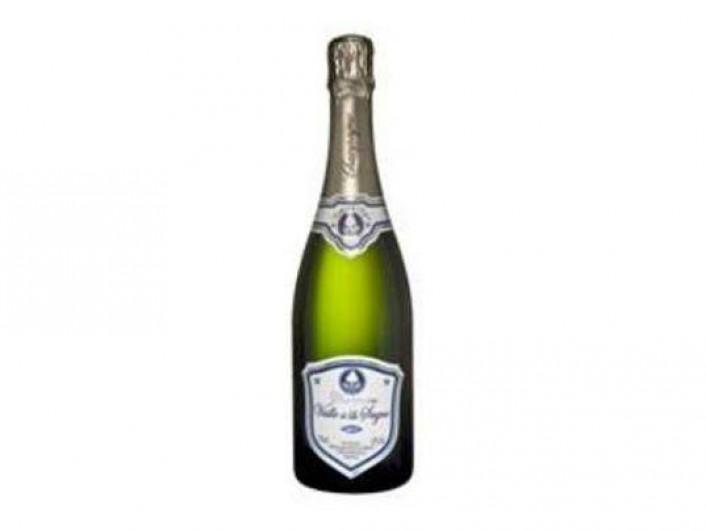 Location de vacances - Gîte à Baroville - Notre champagne vous attend au frais dans le frigo de notre gîte, humm !