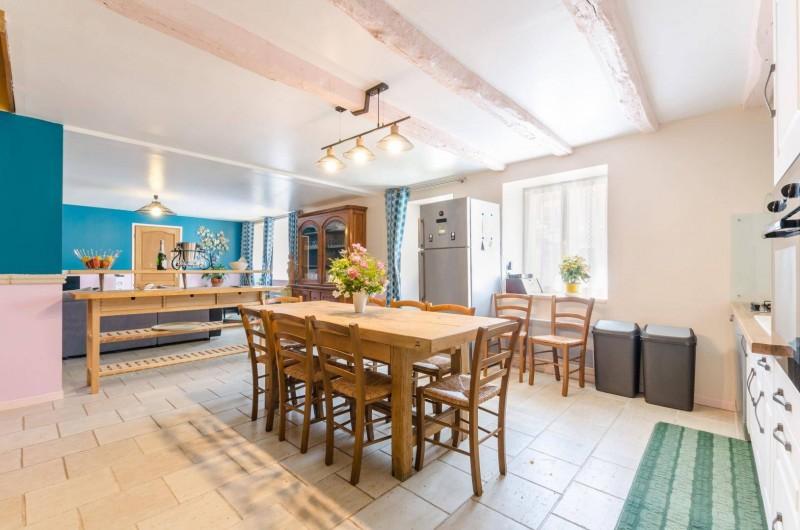 Location de vacances - Gîte à Baroville - La cuisine, ainsi que le salon, a été rafraîchie en hiver 2019.
