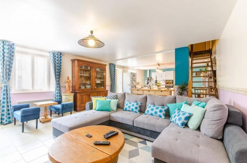 Location de vacances - Gîte à Baroville - Le salon est très confortable, TV, lecteur DVD, jeu d'échec ...