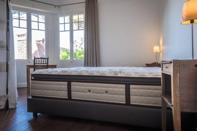 Location de vacances - Villa à Dinard - Chambre 3 - Lit 1.80 m