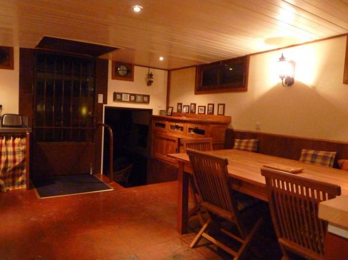Location de vacances - Insolite à Villedubert - Salle à manger