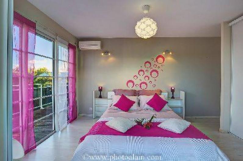 Location de vacances - Villa à Sainte-Anne - chambre  Rose 160 x 200