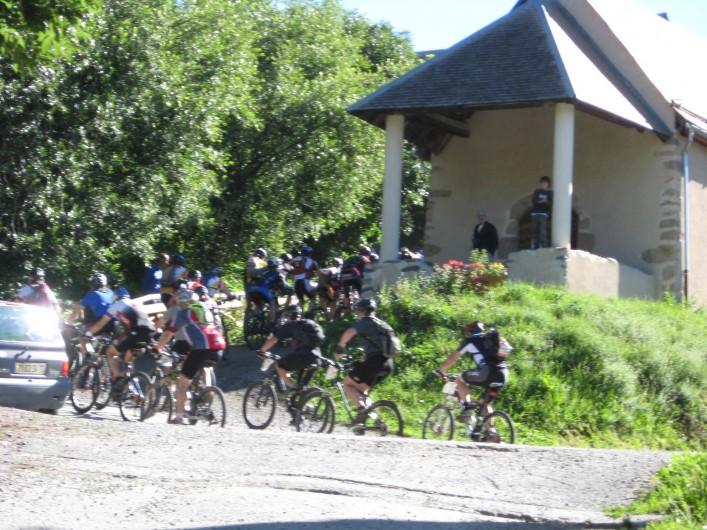 Location de vacances - Appartement à Saint-Jean-d'Arves - Cyclisme