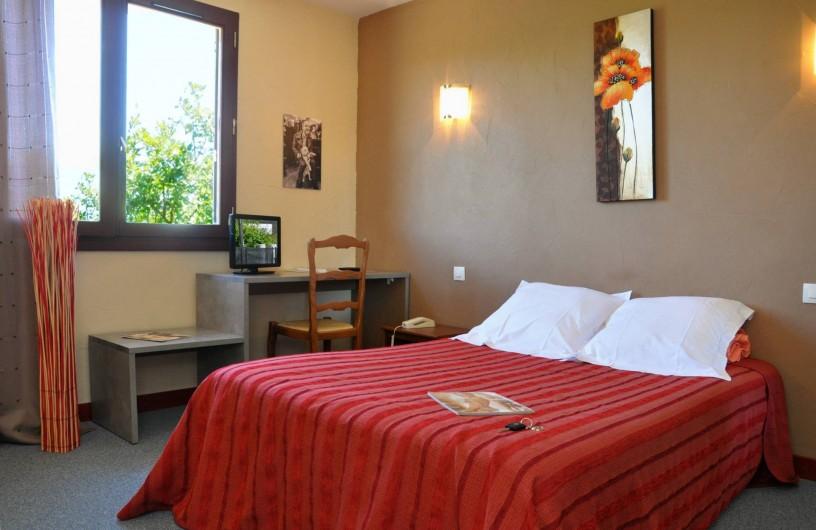 Location de vacances - Hôtel - Auberge à Lavilledieu - chambre économique avec douche