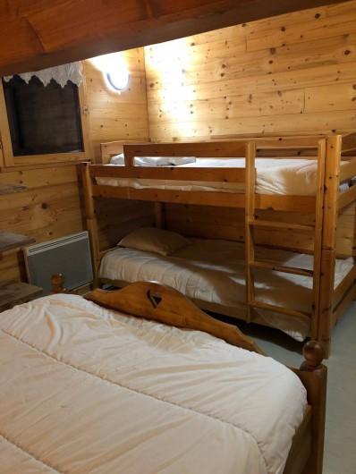 Location de vacances - Appartement à Hauteluce - Chambre 1: 1 lit double + 2 lits superposés