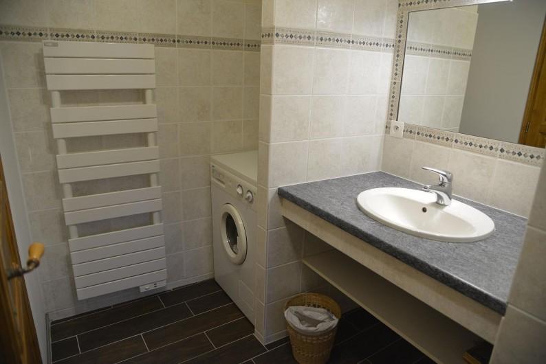 Location de vacances - Chalet à Les Varcins - Salle de bain 1
